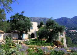 Villa Del Cielo Corfu, countryside and gardens
